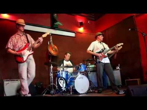 Pollo Del Mar - The Golden State (Live 2011)