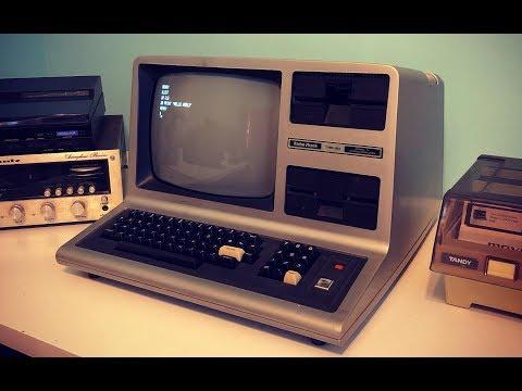 IT LIVES! I fixed my 1980 TRS-80 Model III computer!