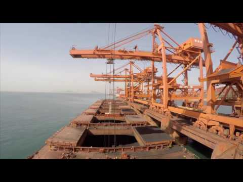 Huge cargo ships Voyage - Time-lapse
