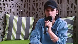 """Orelsan : """"J'aime bien prendre le temps de discuter pendant les concerts"""""""