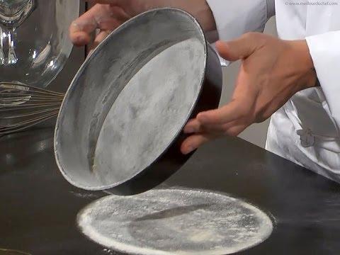 Chemiser un moule - Techniques de base en cuisine
