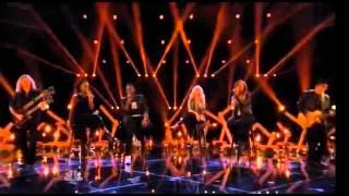 Christina Aguilera y su Equipo - Hotel California (The Voice 2015)
