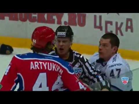 Бой КХЛ: Артюхин VS Осипов / KHL Fight: Artyukhin punishes Osipov (видео)