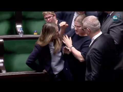 Taran Pawłowicz szarpię Gajewską!