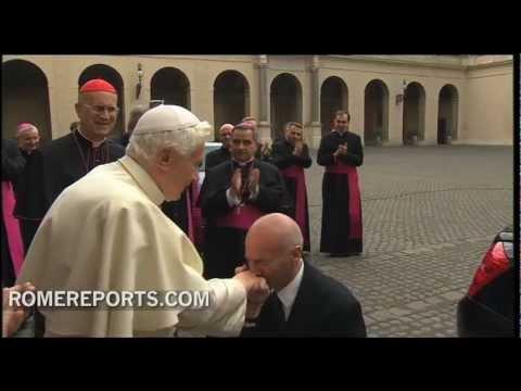 Benedict XVI leaves the Vatican
