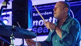 Watch the drummers of North Sea Jazz 2017 on Drummerszone:http://drummerszone.com/news/article/on-stage-6-13548/watch-the-drummers-of-north-sea-jazz-2017 Wolfgang Muthspiel Quintet with Jeff BallardJeff Ballard is one of those true Jazz legends, who just as easy takes different routes with artists like Ray Charles and Pat Metheny. With Austrian guitar player Wolfgang Muthspiel he was truly enjoying the musical explorations of this band. Other noteworthy drummers Muthspiel has worked with are Paul Motian, Gary Burton (vibraphone) and Brian Blade.The North Sea Jazz festival is a three day cruise with the finest of the finest in artists. 2017 had Ari Hoenig, Vinnie Colaiuta, Dave Weckl, Mark Guiliana and many more of the best played the 43th edition of the annual Jazz coup that overtakes the city of Rotterdam.Jeff Ballard on Drummerszone:http://drummerszone.com/artists/profile/151/jeff-ballardBand members:Ralph Alessi (trumpet)Wolfgang Muthspiel (guitar)Gwilym Simcock (piano)Larry Grenadier (double bass)Jeff Ballard (drums)Jeff Ballard North Sea Jazz Festival 2017 video channel on Drummerszone:http://drummerszone.com/videos/channel/dz-9734-11575/north-sea-jazz-festival-2017Follow Drummerszone on:YouTube: https://www.youtube.com/drummerszoneTwitter: https://twitter.com/drummerszoneFacebook: https://www.facebook.com/drummerszoneInstagram: https://www.instagram.com/drummerszoneBeat your heart out!http://drummerszone.comVisit our live Drummer Index:http://drummersocial.com