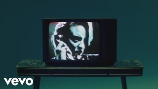 La Roux - Kiss And Not Tell - YouTube