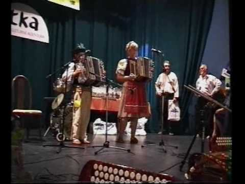 Heligonka, archiv - Petra, Patrik a Dobiáš Kováčovi v Rožnově pod Radhoštěm v roce 2006.mp4