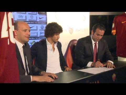Salih Ucan: Podpis pogodbe (video)