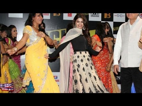 Chura Ke Leja | Prachi Desai's Live Performance Movie Review & Ratings  out Of 5.0