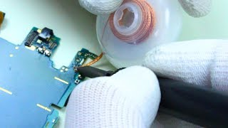 ➤➤ Suscríbete para ser un Pro! - http://goo.gl/wHUZlyCon un soldador hemos reparado el conector usb de un Sony Xperia Z3 Compact, en los laboratorios de Alertaphone. Descubre todo el proceso de reparación.➤➤Descubre Alertaphone - https://alertaphone.com➤Twitter! https://twitter.com/alertaphone➤Facebook! https://www.facebook.com/alertaphone➤Instagram! https://www.instagram.com/alertaphone➤Las 25 Mejores Aplicaciones 2017 - https://www.youtube.com/watch?v=-7BAKY-zMx8➤Los 6 Mejores Juegos adictivos Android - https://www.youtube.com/watch?v=cY8oKIwn0zsPro Android es el canal en español para tener tu celular Android al mejor nivel, con las mejores aplicaciones y juegos gratis. Todos los vídeos son compatibles con dispositivos Samsung Galaxy, Motorola Moto G y Moto E, Huawei, LG y todos los móviles Android!---ÚNETE A LA COMUNIDAD PRO ANDROID!● Únete en Instagram! - https://www.instagram.com/proandroides/● Únete a la Comunidad en Twitter! - https://twitter.com/ProAndroid● Únete en Facebook! - https://www.facebook.com/ProAndroides● Todas las noticias Android en http://ProAndroid.com