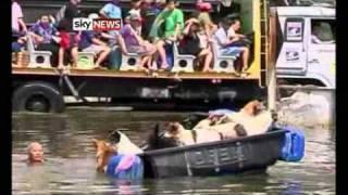 Thailand: Bangkok Evacuates As Floodwaters Rise