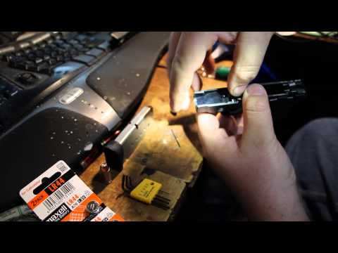 how to change battery on s&w bodyguard
