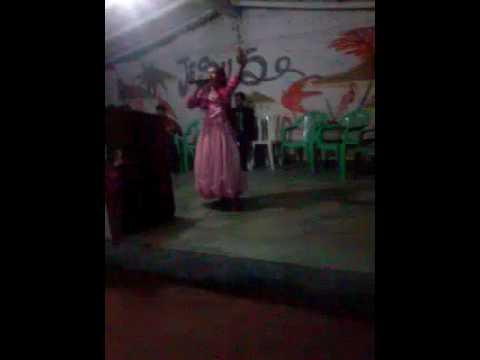 Cantora mirinha louvando o senhor na grande virgilia em açailandia-ma