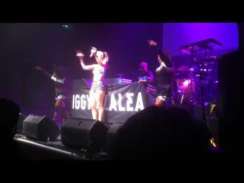 Iggy azalea and her dancers.