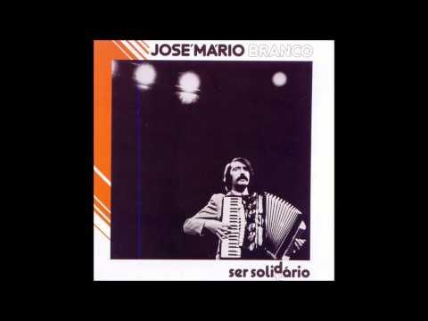 José Mário Branco - Ser Solidário (Álbum Completo/Full Album):  Ser Solidário é um álbum duplo de José Mário Branco lançado em 1982. Na sua edição em CD (1996), inclui o tema FMI, gravado ao vivo. Todas as canções foram apresentadas, antes de gravadas em estúdio, num espectáculo com o mesmo nome que José Mário Branco realizou no Teatro Aberto em 1980 e 1981.Faixas:Disco 11- Travessia do Deserto 00:002 -Queixa das Almas Jovens Censuradas 06:303 - Vá... Vá... 11:254 - A Morte Nunca Existiu 15:415 - Fado da Tristeza 21:416 - Fado Penélope 25:177 - Qual É a Tua, Ó Meu? 28:108 - Eu Vim de Longe, Eu Vou p'ra Longe (