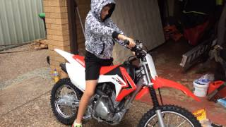 4. Honda crf125f 2014 first start