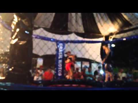Alessandra Vs Dalila MMA Feminino Vazante Mg 18/04/2015 1 parte