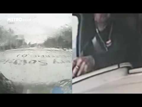 #فيديو : #شاهد سائق شاحنة يدفع ثمنا باهظا لاستخدامه تطبيقات #الجوال أثناء القيادة