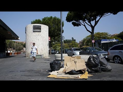 Ρώμη θαμμένη στα σκουπίδια και στο χάος