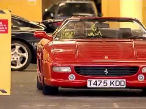 El tonto del Ferrari rojo
