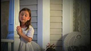 "Watch This 7 Year Old Sings ""Amazing Grace"" Like You've Never Heard It Before"