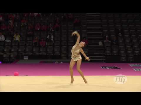 Российская гимнастка выступила так, что жюри во Франции были просто потрясены!