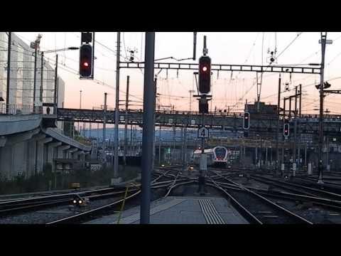 Eisenbahn Railway Station – Züge am Haupt Bahnhof Basel SBB Schweiz – Train