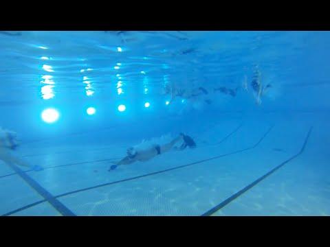 Хоккей под водой?
