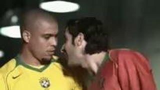 """Comercial da Nike em que as seleções de Brasil e Portugal começam a """"dar olé"""" no vestiario antes do jogo!"""