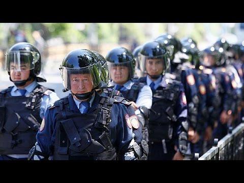 Καζακστάν: Συγκρούσεις μεταξύ αστυνομίας και διαδηλωτών