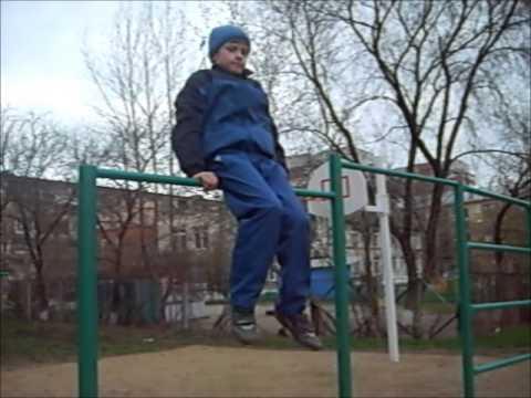 HD видео Испанский выход на турнике .mp3 * responsevideo.ru