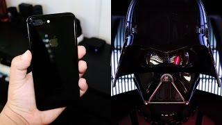 """Apple advierte que su iPhone 7 negro """"Jet Black"""" se guaya fácilmente...Pero a quién le importa. Lo que la gente quería y ahora tienen con el iPhone 7 es un iPhone Negro, un """"Piano Black"""",""""Jet Black"""" o mi favorito... El iPhone que usaría Dark Vader.Para mas contenido sigue me aquí:https://facebook.com/ALE9X1http://instagram.com/ALE9X1https://twitter.com/ALE9x1https://snapchat.com/add/ale9x1"""