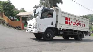 Trawas Indonesia  City pictures : Isuzu Indonesia -ELF NMR 71 beraksi di tanjakan Trawas, Surabaya