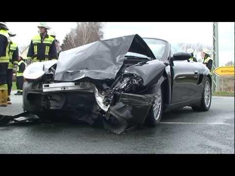 Twistetal: Gegen Porsche, 89-Jährige stirbt