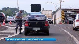 Dobra o número de multas por farol apagado em rodovias de Bauru