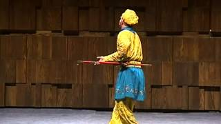 English Monkey King (performs the original Beijing Opera)