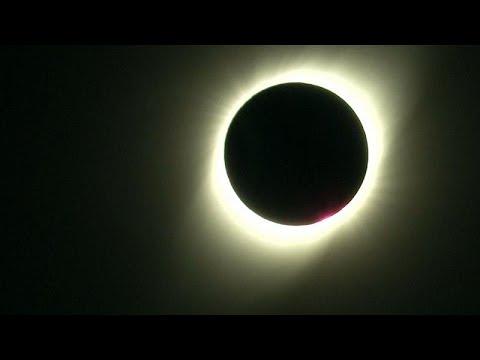 Χιλή: Χιλιάδες κόσμου για την έκλειψη ηλίου