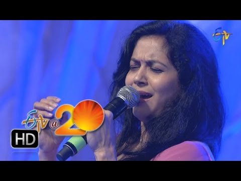 Sunitha-Performance-Anathineya-Raa-Song-in-Tirupathi-ETV-20-Celebrations