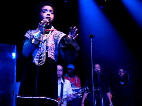 Video Lauryn Hill/Bob Marley LIVE - Turn Your Lights Down Low - January 22, 2011 Toronto download in MP3, 3GP, MP4, WEBM, AVI, FLV January 2017