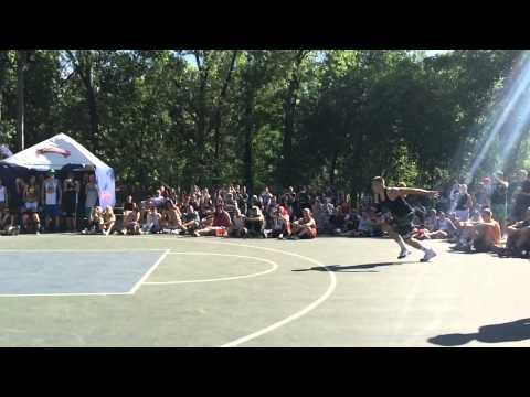 Нереальный Triple-Up от Ильи Крохи на турнире 'Dnipro Streetball Cup'!