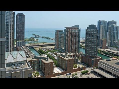 Great lake and city views from a Streeterville penthouse