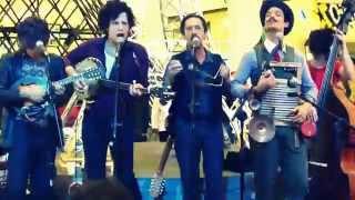 Mustache & Os Apaches - Le Bateau