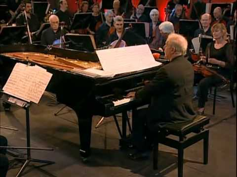 Barenboim - Orquesta Filarmónica de Buenos Aires Leopoldo Federico y su Orquesta Tipica This isn't my video. I have just donwloaded. Enjoy!