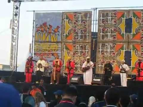 MAALAM Abdelah Guinia – Rhamhom ya Alah @ Festival Gnaoua Et Musique Du Monde