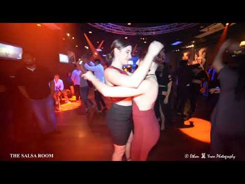CARLA & SHARON PAULICELLI Sensual Bachata Social Dance At THE SALSA ROOM
