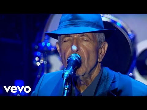 Leonard Cohen: Famous Blue Raincoat