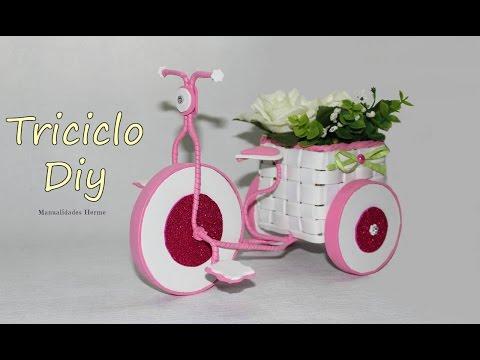 foamy - un particolare vaso a forma di triciclo