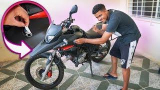 TIRARAM O ADESIVO DA BMW DA MINHA XRE