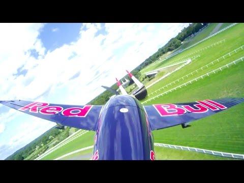 【レッドブル・エアレース】アスコット大会はボノム選手が優勝 Red Bull Air Race Ascot 2014 видео